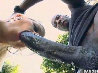 Blondin baben takes en 12 inch kuk upp henne röv!