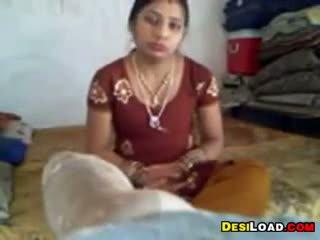 Indieši mājsaimniece gets fucked