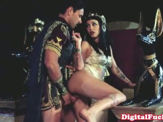 Cleopatra kurang ajar another roman dude