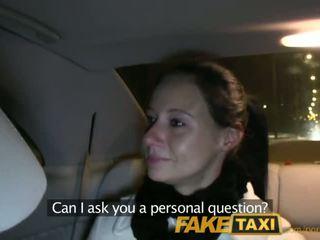 Faketaxi enza fucks мені на camera для дати для її ex - порно відео 111
