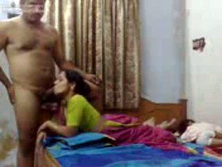 Indian cuplu