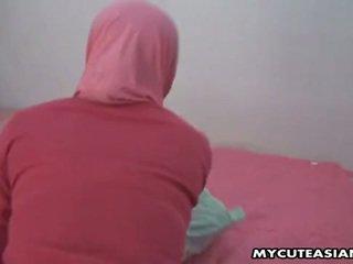 Gražu arabiškas mažutė being pakliuvom taip sunkus į jos putė.