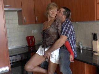 毛茸茸 德语 奶奶 loves 肛交 - r9