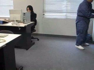 Molested dormind birou doamnă