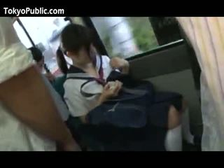 Jepang sekolah babes mendapatkan cumshots masyarakat