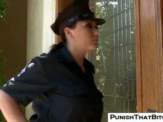 Curvy bitch claire dames gets tvang punishment av jenni