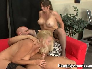Oustanding tittie blond milfs ha erotisk 3 noen nearby sons mate