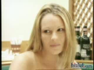 брюнетка гледайте, минет реален, виждам пенис голям