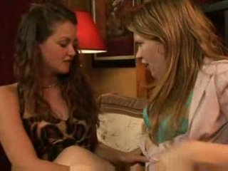 lesbiete karstās