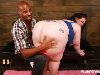 Juicy Booty BBW Glory Foxxx Loves Dark Chocolate Cock