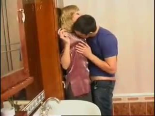 न मोम और बेटा: फ्री रशियन पॉर्न वीडियो f0