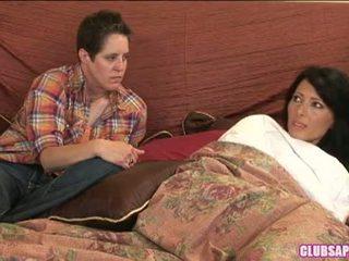 Zoey holloway dhe kat shpenzoj the ditë në krevat