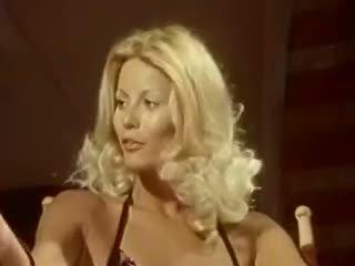 Голям на лицето сцена с разкошен порно звезда seka