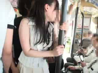 Innocent schnecke befummelt auf ein bus