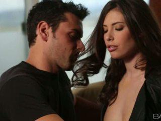 Insanely sexig casey calvert gets körd på soffa video-