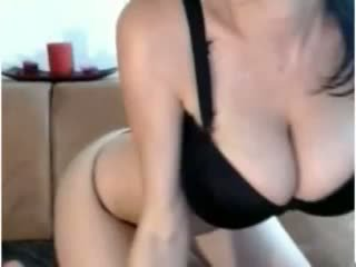 Webcam gros seins fille masturbate
