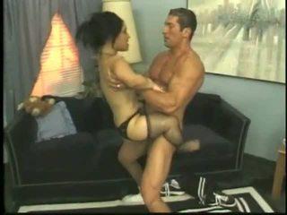 Bridget yang orang kerdil seks / persetubuhan dengan yang muda lelaki