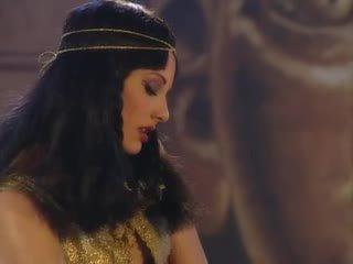 Julia Taylor in Cleopatra orgy scene