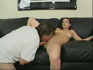 พ่อ gets โดนจับได้ sniffing กางเกงใน โดย daughters frie วีดีโอ