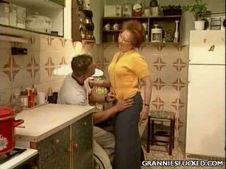 Бабусі трахкав brings ви хардкор секс секс мов