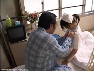 रात कर्तव्य नर्स सेक्स वायियूर