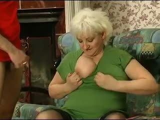 Білявка grannie - punishment turns в секс