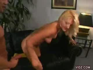 Stacy thorn bends løpet til dong inside henne