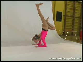 Млад балерина alina
