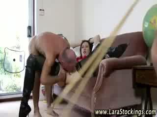 Angļi pieauguša skolniece gets vecs vīrietis dzimumloceklis
