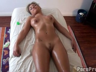 Steamy heet olie massage