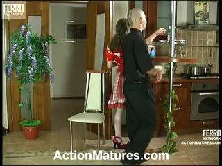 Leila And Benjamin Stylish Mom On Video