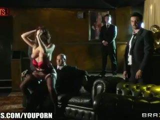 ゴージャス 英国の stripper has a そばかすのある 顔 と a 必要性 のために コック
