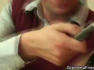 Lihav lipakas takes two cocks pov