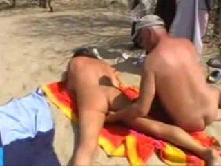 Michel steuve alasti päällä the ranta
