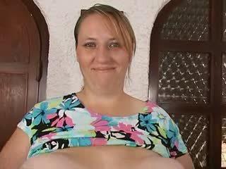 엄마 & 그녀의 대규모 거대한 saggy 가슴