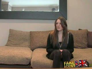 Fakeagentuk posh jong brits meisje gets anaal creampie casting