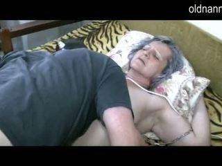 Lama nenek mendapatkan faraj licked oleh muda guy video