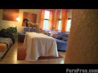 Capri cavalli getting orgazmus na masáž stôl