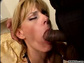 Hot Blondie Darryl Hanah Takes 2 Beefy Cocks In Her Mouth At The Same Time