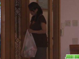 Rika gives teda pea sisse the köögis