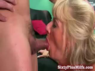 Babka blows a gets anál sex