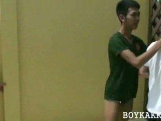 Warga thai gay seks / persetubuhan bertiga