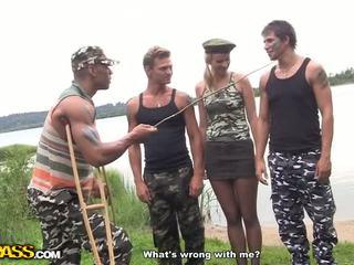 뜨거운 단단한 core 씨발 에 그만큼 군대 비디오