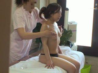 زوجة used بواسطة مثليه masseuse
