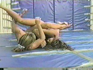 Flamingo wrestling ww37 nicole vs suzanne female wrestling c