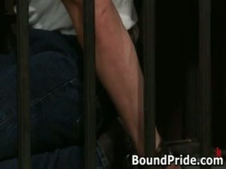 Christian trent gets 他的 tortured 屁股 fcuked 1 由 boundpride