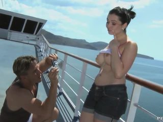 Angell summers - bj, göte sikişmek and sperma after photshoot on a cruiser (hd)