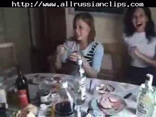 Ruský students pohlaví orgie část 1 ruský cumshots spolknout