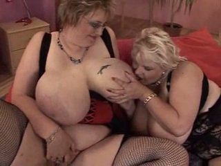 xhamster lesbienne mature young