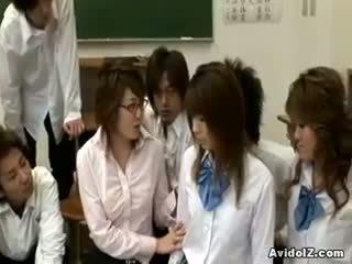 Ištvirkęs japoniškas mokytojas gets pakliuvom ir tvirkinti